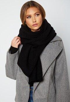 Lojsan Wallin x BUBBLEROOM Chunky knitted scarf Black bubbleroom.no