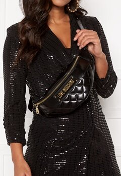 Love Moschino New Shiny Quilted Bumbag 000 Black Bubbleroom.no