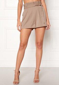 Make Way Disa paperbag shorts Beige / White / Striped Bubbleroom.no