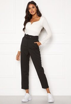 Make Way Elin belted trousers Black / Striped / White Bubbleroom.no