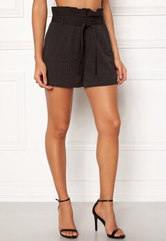 Make Way Disa paperbag shorts Black / White / Striped Bubbleroom.no