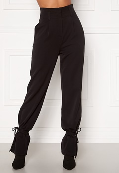 Martine Lunde X Bubbleroom Tied suit trousers Black Bubbleroom.no
