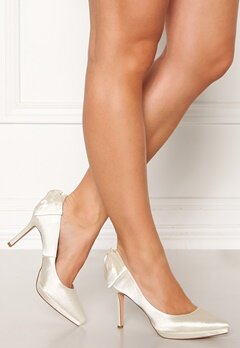 Menbur Satin Wedding Shoe Ivory Bubbleroom.no