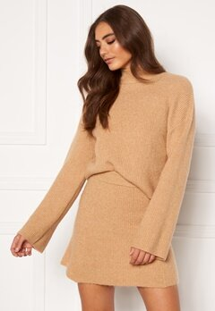 Moa Mattsson X Bubbleroom Knitted cropped sweater Camel Bubbleroom.no