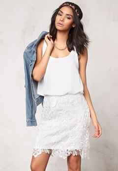 Model Behaviour Emma Dress White Bubbleroom.no