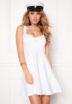 Model Behaviour Martina Dress White Bubbleroom.no