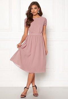 Moments New York Camellia Chiffon Dress Dark old rose Bubbleroom.no