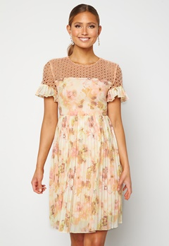 Moments New York Dana Chiffon Dress Floral Bubbleroom.no