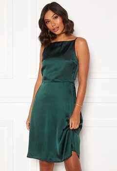 Moments New York Laylani Satin Dress Dark green Bubbleroom.no