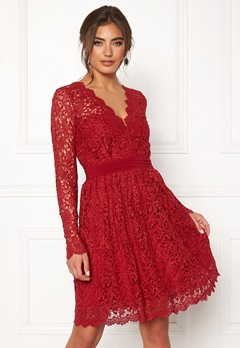 Moments New York Leyla Crochet Dress Vinröd Bubbleroom.no