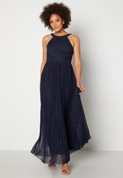 Moments New York Linnea Pleated Gown Navy Bubbleroom.no
