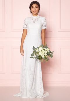 Moments New York Magnolia Wedding Gown Offwhite Bubbleroom.no