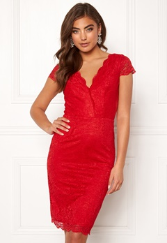 Moments New York Viola Lace Dress Red Bubbleroom.no