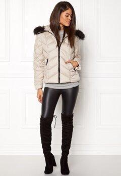 New Look Chevron Puffer Jacket cream Bubbleroom.no