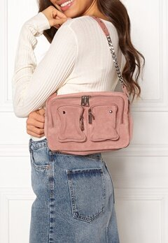 Nunoo Ellie Chain Suede Bag Rose Bubbleroom.no