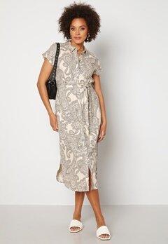 OBJECT Adilla S/S Dress Sandshell AOP Bubbleroom.no