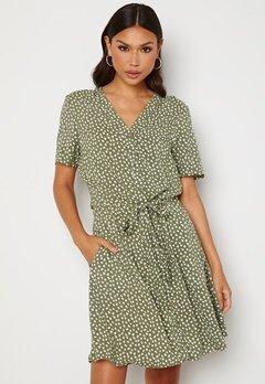 OBJECT Celeste SS Short Dress Deep Lichen Green AO Bubbleroom.no