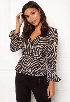 ONLY Addiction Wrap Shirt Black/Zebra Bubbleroom.no