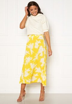 ONLY Alma Life Plisse Skirt Aspen Gold Bubbleroom.no