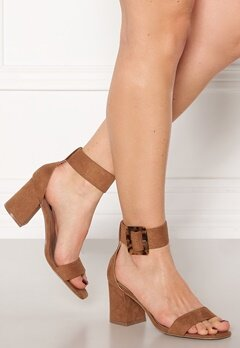 ONLY Amanda Ankle Strap Heeled Sandal Cognac Bubbleroom.no
