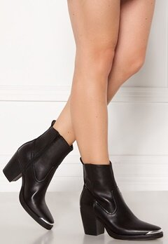 ONLY Belize PU Heeled Boot Black Bubbleroom.no