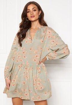 ONLY Clara L/S Dress Desert Sage Bubbleroom.no