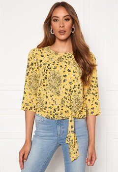 ONLY Nova Lux 3/4 Knot Top Misted Yellow Bubbleroom.no