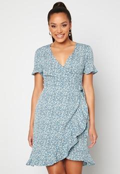 ONLY Olivia S/S Wrap Dress Dusk Blue / Flower Bubbleroom.no