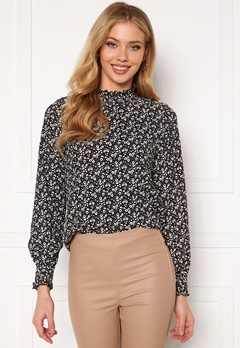 ONLY Zille L/S Detail Smock Top Jrs Black, aop: flower Bubbleroom.no