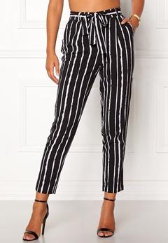 Pieces Drena MW Ankle Pants Black Stripes Bubbleroom.no