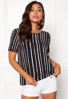 Pieces Drena SS Top Black Stripes Bubbleroom.no