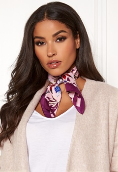 Pieces Jessica Square Scarf Candy Pink Bubbleroom.no