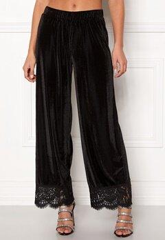Pieces Kera MW Cropped Pants Black Bubbleroom.no