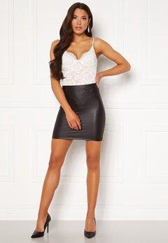 Pieces New Shiny HW Skirt Black Bubbleroom.no