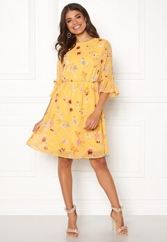 Pieces Silje 3/4 Dress Buff Yellow Bubbleroom.no