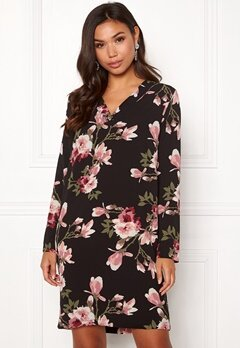 Pieces Lona L/S V-neck Dress Black/Magnolia Bubbleroom.no