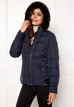 QED London Quilted Short Puffer Coat Navy Bubbleroom.no