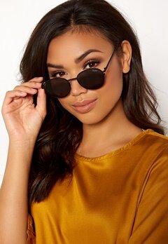 Quay Australia Crazy Love Sunglasses Black/Smoke Lens Bubbleroom.no