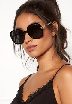 Quay Australia Gold Dust Sunglasses Black/Smoke Bubbleroom.no