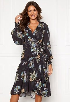 Ravn Cosima Wrap Dress Black Flower Bubbleroom.no