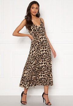 Sandra Willer X Bubbleroom Slit dress Leopard Bubbleroom.no