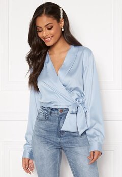 Sandra Willer X Bubbleroom Wrapped blouse Light blue Bubbleroom.no