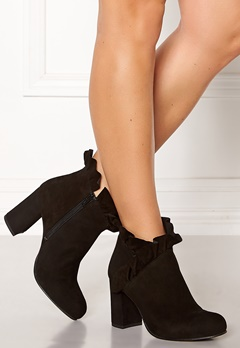 SARGOSSA Flourish Suede Boots Black Bubbleroom.no