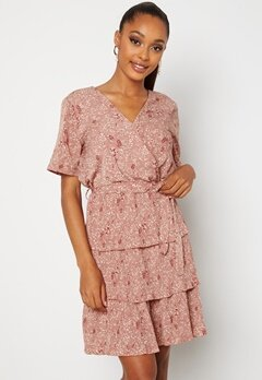 Sisters Point Nekko Dress 531 D.blush/ Cream Bubbleroom.no
