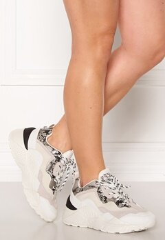 Steve Madden Antonia Sneakers White Multi Bubbleroom.no