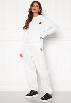 TOMMY JEANS Relaxed Badge Sweatpant White Bubbleroom.no