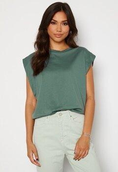Trendyol Clara T-shirt Green Bubbleroom.no
