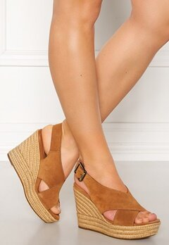 UGG Australia Harlow Wedges Chestnut Bubbleroom.no