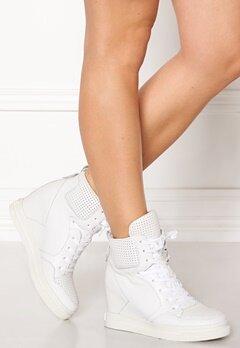 UMA PARKER Boston Shoes White Bubbleroom.no