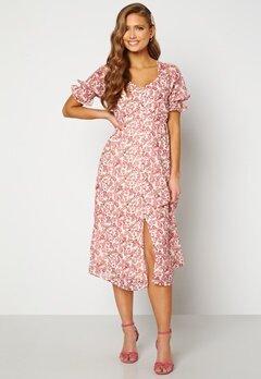 VERO MODA Anneline 2/4 V-Neck Dress Birch AOP: New Annel Bubbleroom.no